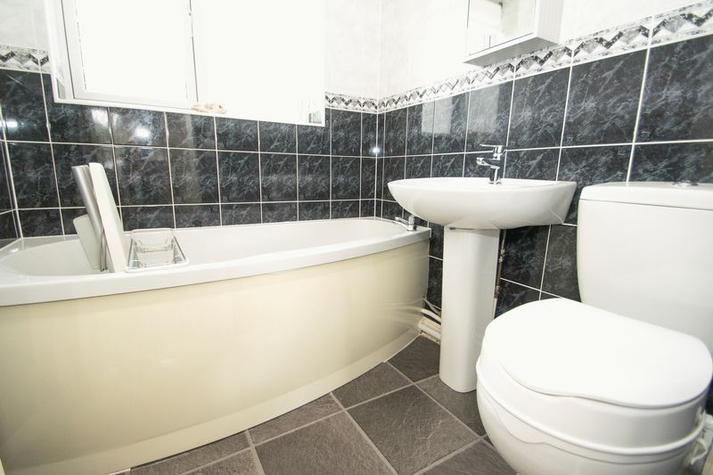 1 bed bungalow for sale in Meadow Park Road 8