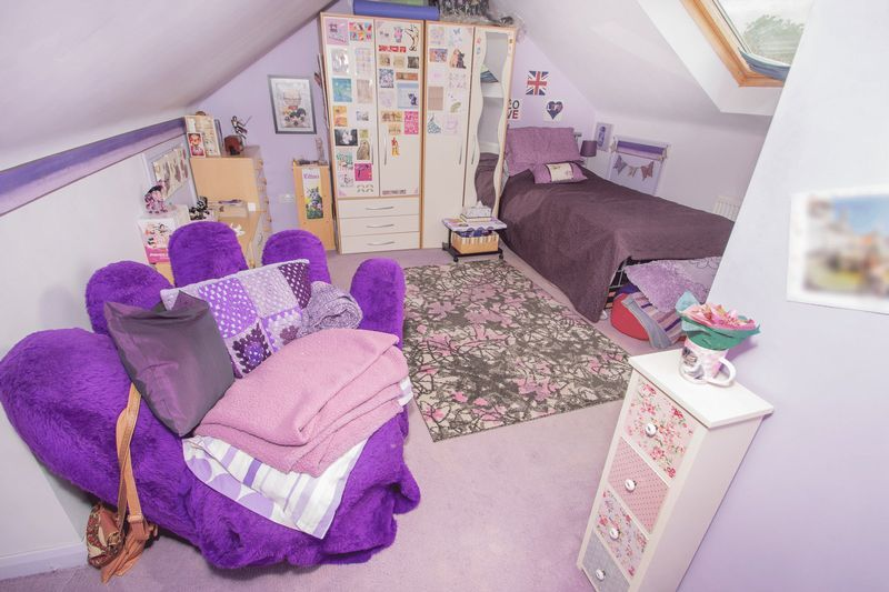 4 bed house for sale in Oak Barn Road  - Property Image 13