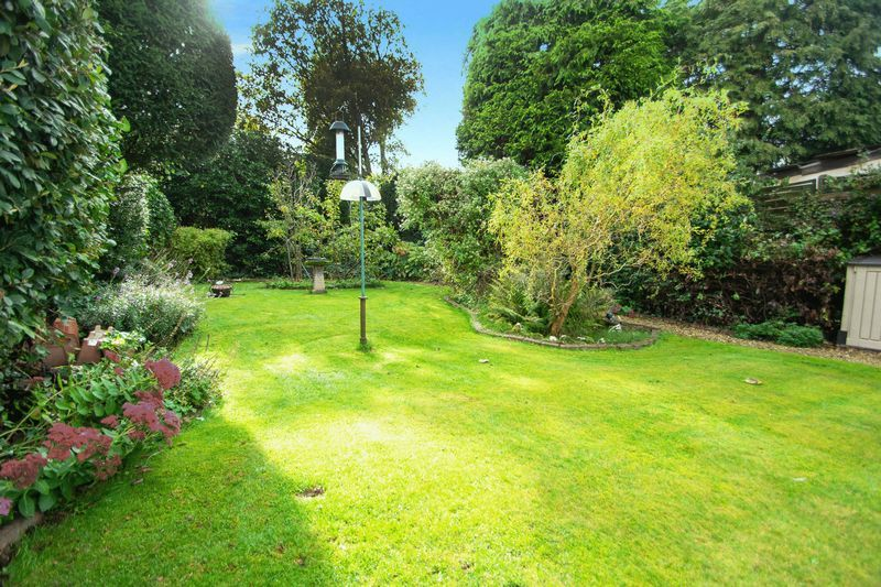 4 bed house for sale in Oak Barn Road  - Property Image 15