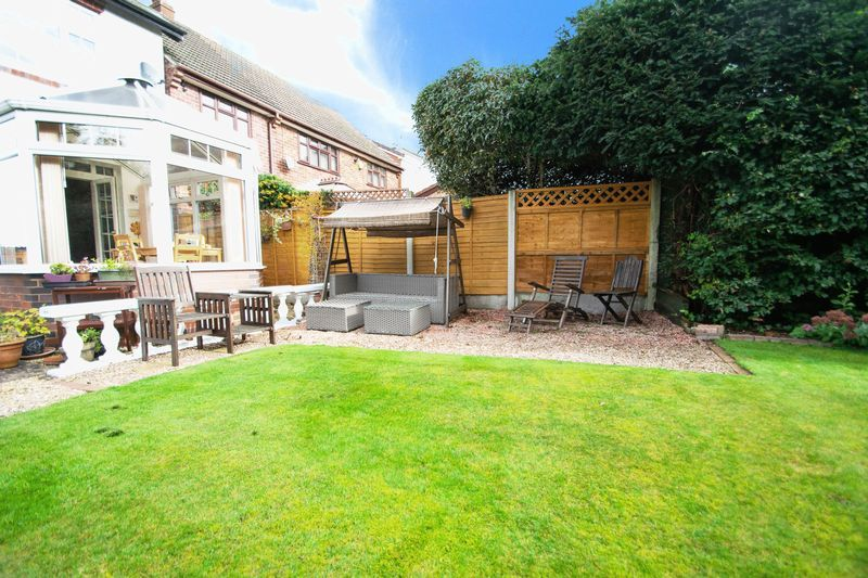 4 bed house for sale in Oak Barn Road  - Property Image 16