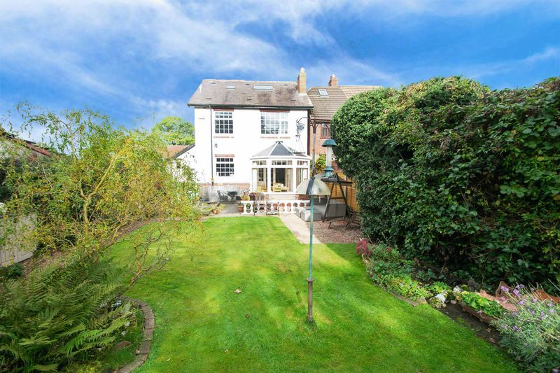 4 bed house for sale in Oak Barn Road  - Property Image 17
