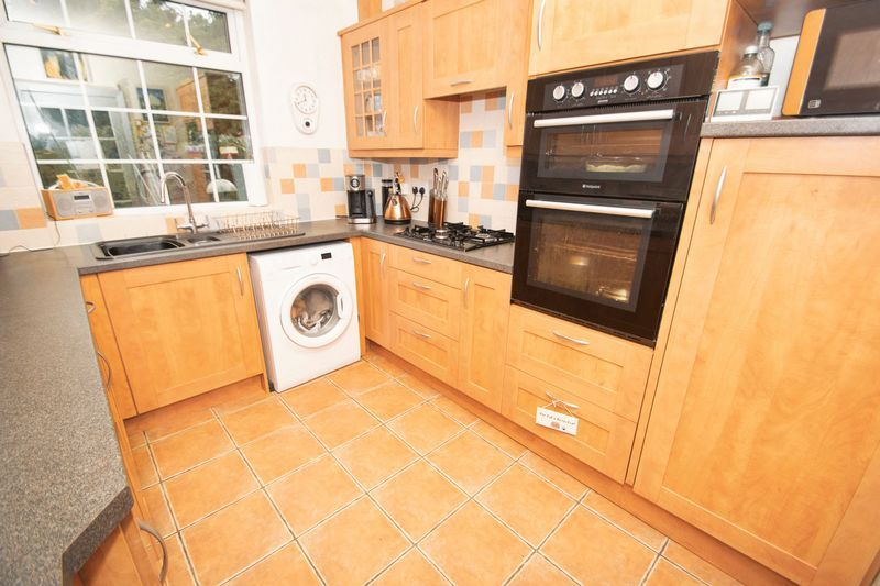 4 bed house for sale in Oak Barn Road  - Property Image 4