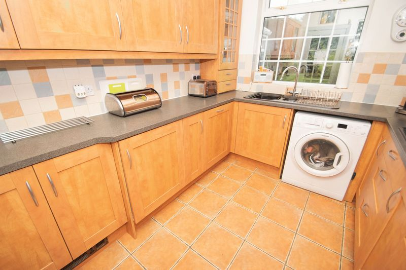 4 bed house for sale in Oak Barn Road  - Property Image 5