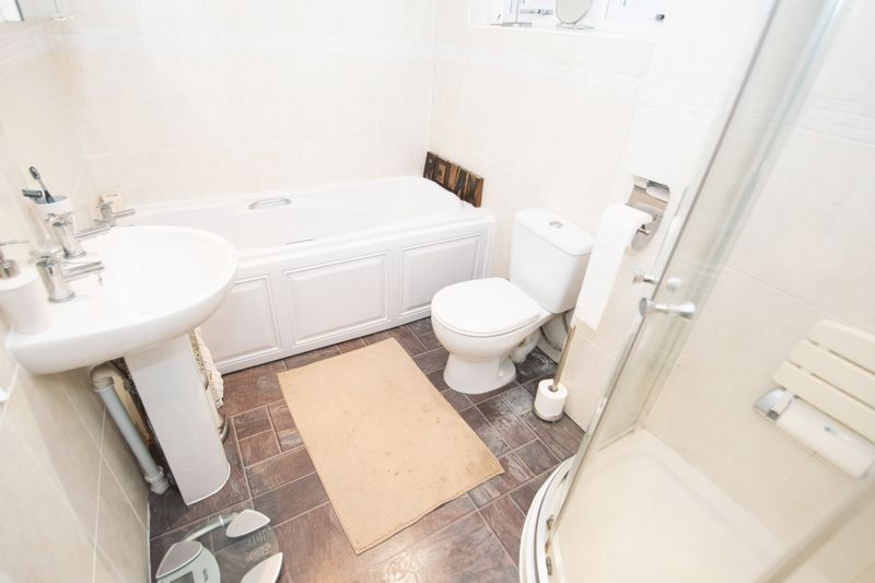 2 bed bungalow for sale in Lodgefield Road  - Property Image 11
