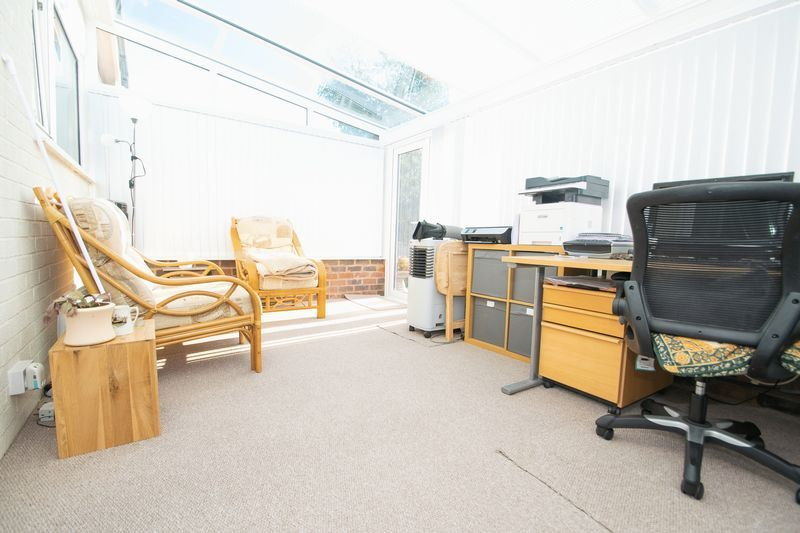 2 bed bungalow for sale in Lodgefield Road  - Property Image 12