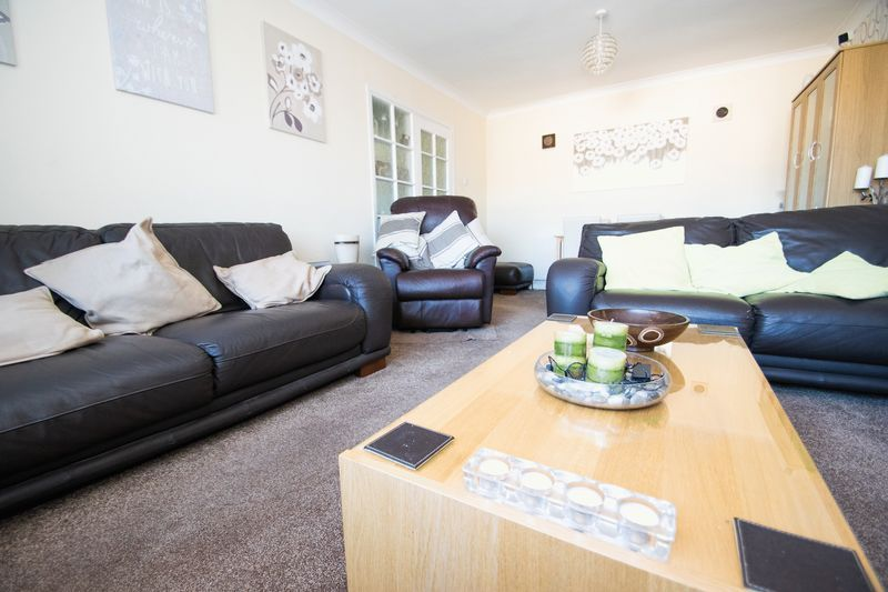 2 bed bungalow for sale in Lodgefield Road 3