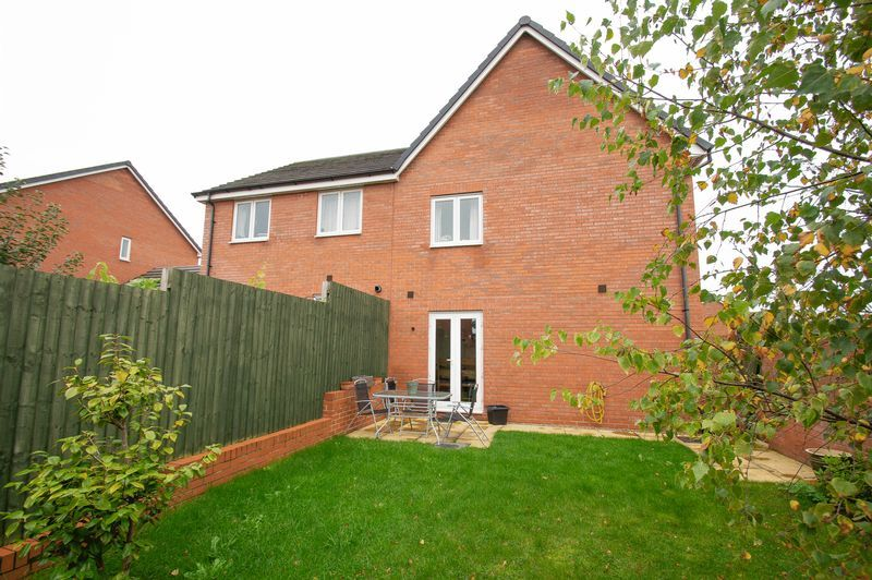 3 bed house for sale in Almondsbury Close 18