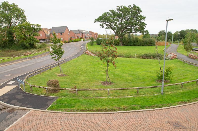 3 bed house for sale in Almondsbury Close 20