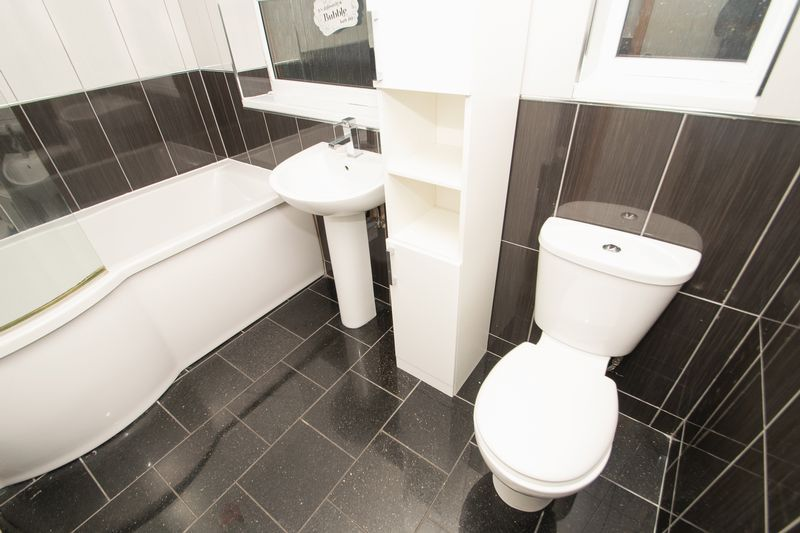 2 bed house for sale in Dudley Road 8