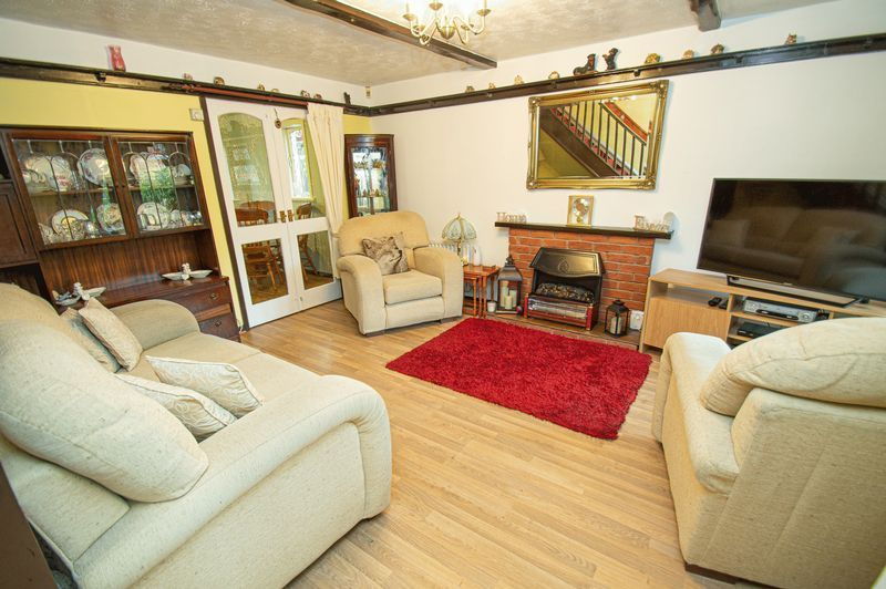 3 bed house for sale in Linnet Close 2
