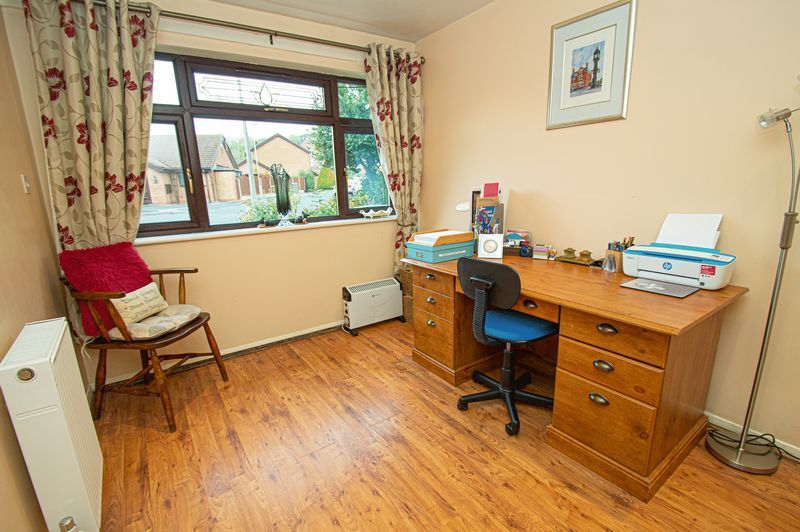 3 bed house for sale in Linnet Close  - Property Image 9