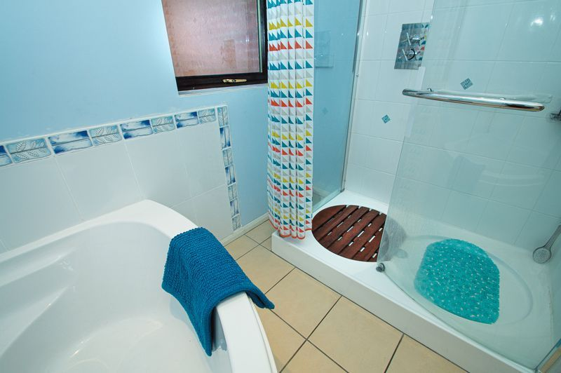 3 bed house for sale in Linnet Close  - Property Image 10