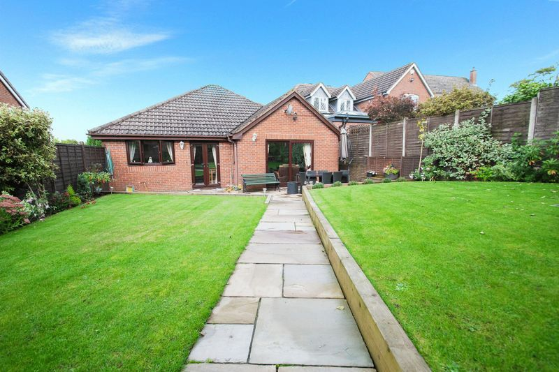 2 bed bungalow for sale in Dark Lane  - Property Image 17