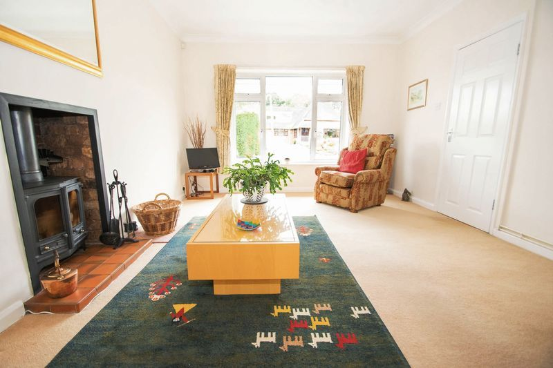 5 bed house for sale in Chantry Road 9