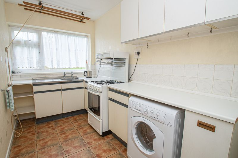 1 bed  for sale in Toys Lane  - Property Image 4