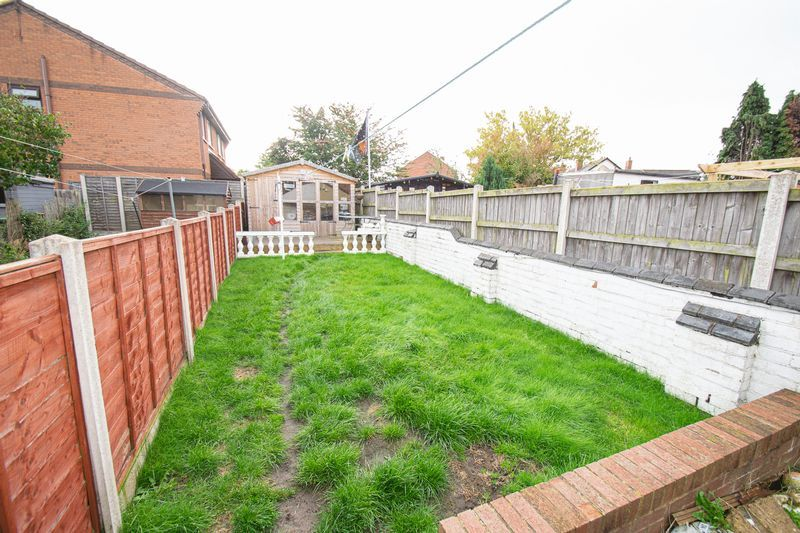 3 bed house for sale in Vicarage Road 13