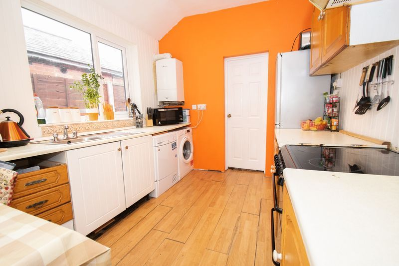 3 bed house for sale in Vicarage Road 8