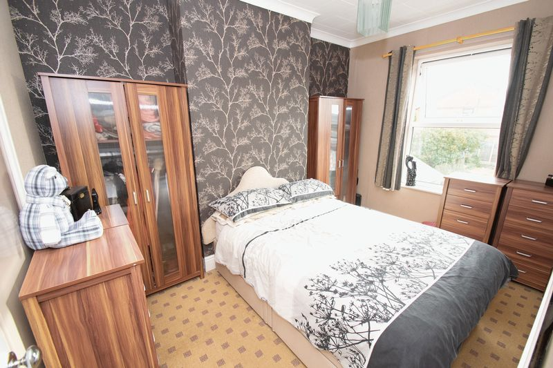 3 bed house for sale in Vicarage Road 10