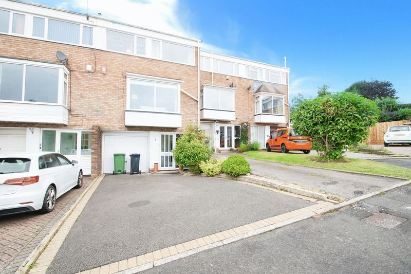 4 bed house for sale in Abberton Close 1