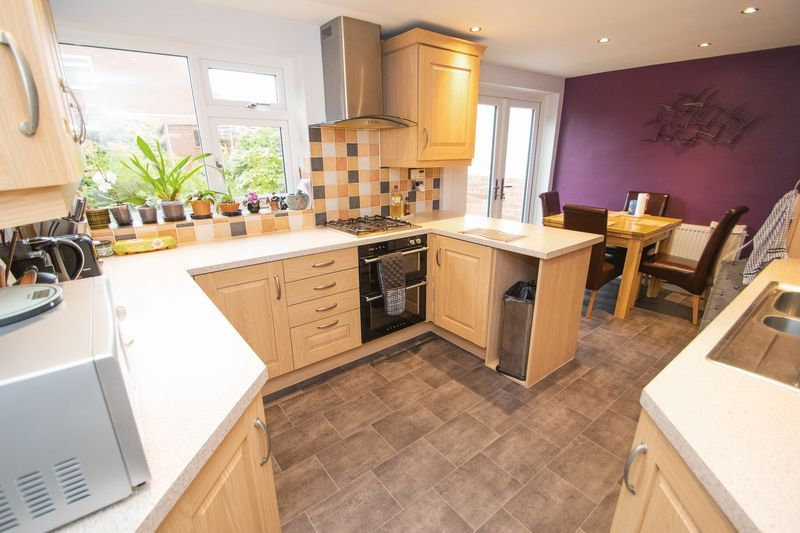 4 bed house for sale in Abberton Close 2