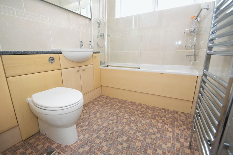 4 bed house for sale in Abberton Close 7