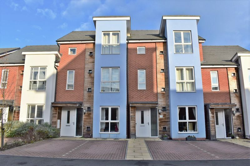 3 bed house for sale in Blakeney Drive 1