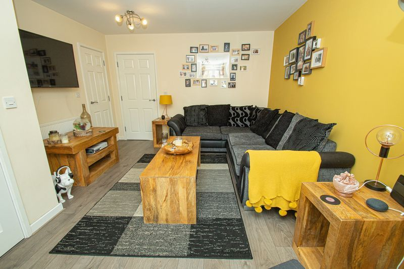 3 bed house for sale in Blakeney Drive 3