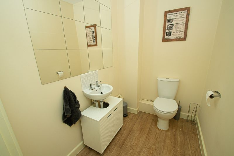 3 bed house for sale in Blakeney Drive 7