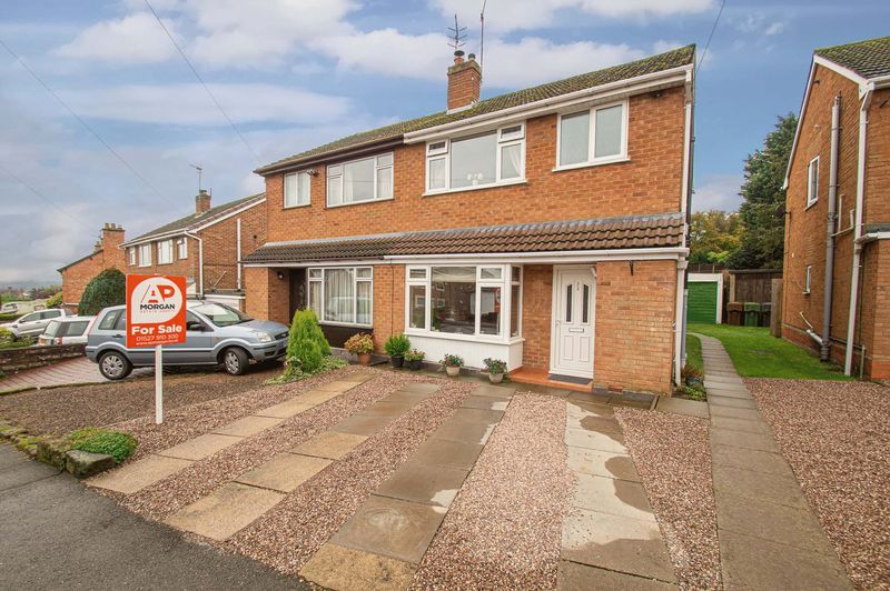 3 bed house for sale in Fox Lane 1