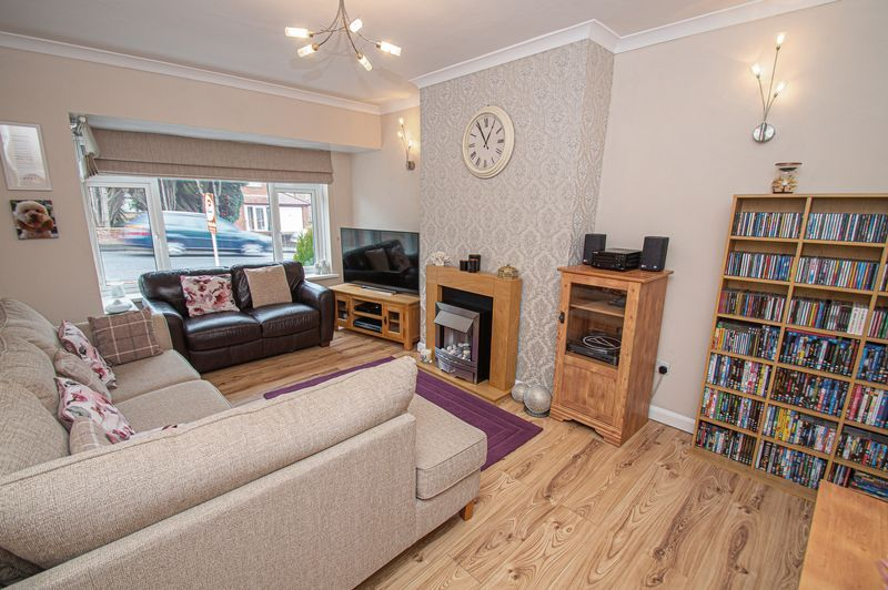 3 bed house for sale in Fox Lane  - Property Image 2