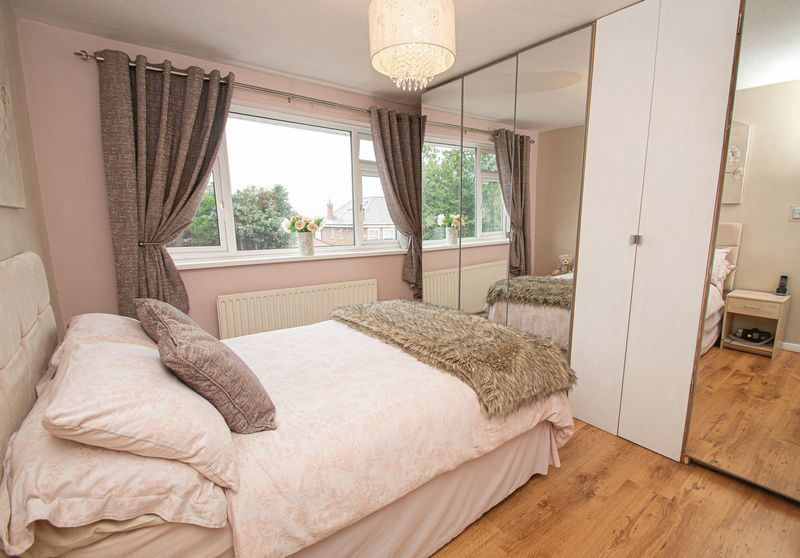 3 bed house for sale in Fox Lane  - Property Image 11