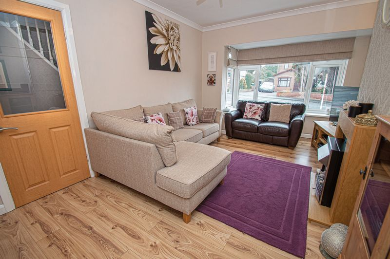 3 bed house for sale in Fox Lane 3