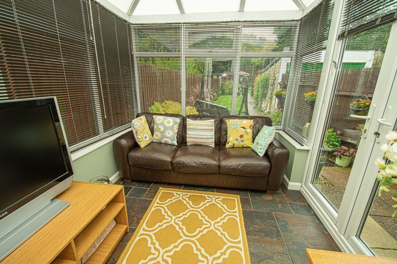 3 bed house for sale in Fox Lane  - Property Image 5