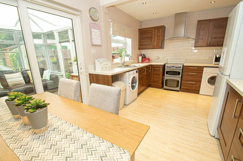 3 bed house for sale in Fox Lane  - Property Image 7