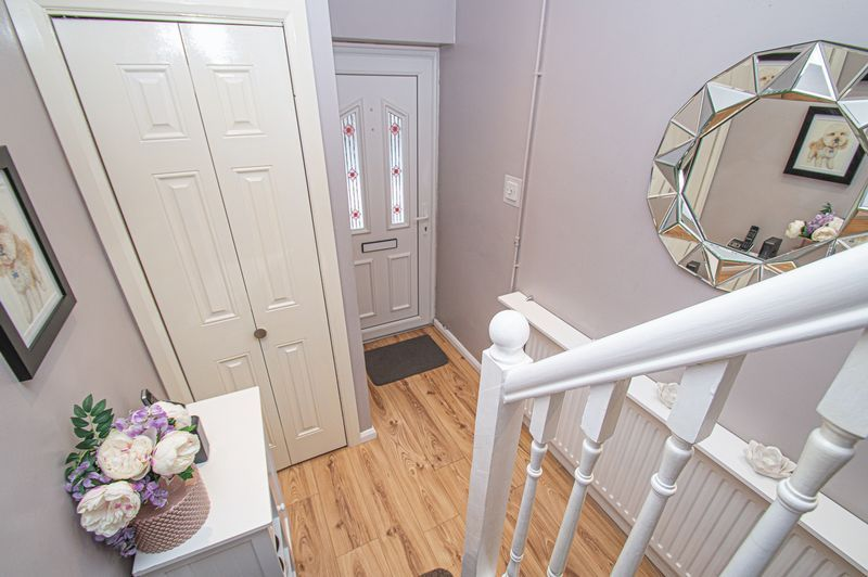 3 bed house for sale in Fox Lane 10