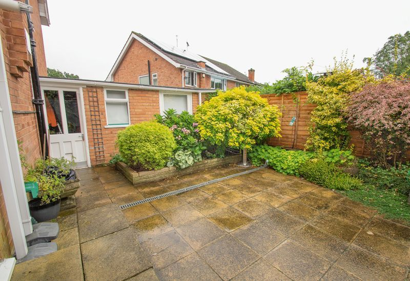 3 bed house for sale in Vicarage Crescent 14