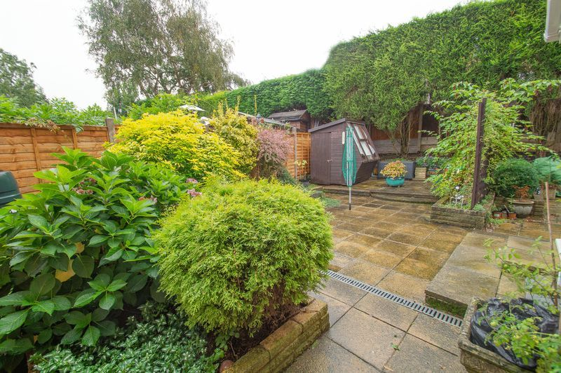 3 bed house for sale in Vicarage Crescent 15