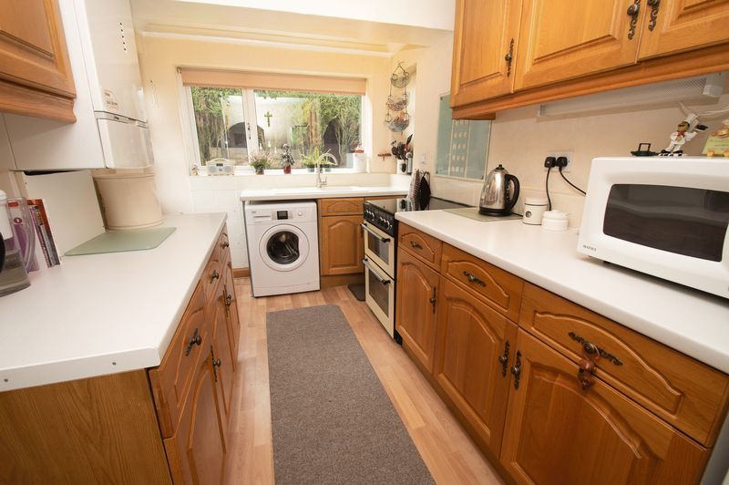 3 bed house for sale in Vicarage Crescent 6