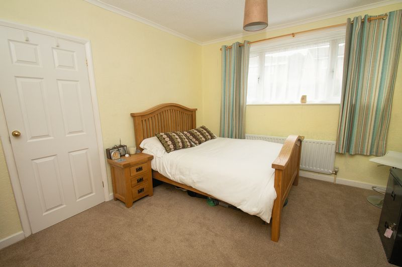 3 bed house for sale in Vicarage Crescent  - Property Image 9