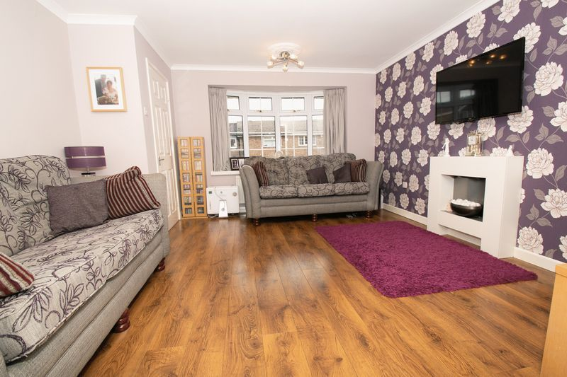 4 bed house for sale in Saxon Drive 2
