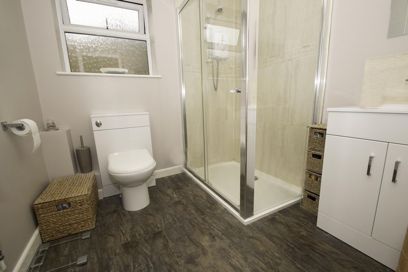 4 bed house for sale in Saxon Drive  - Property Image 11