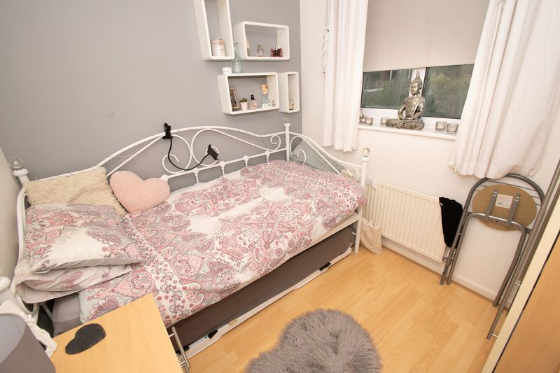 4 bed house for sale in Saxon Drive 13