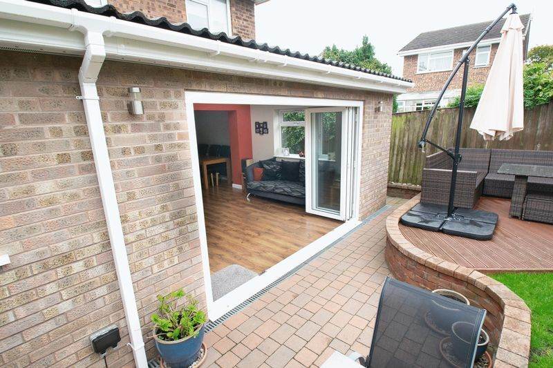 4 bed house for sale in Saxon Drive 17