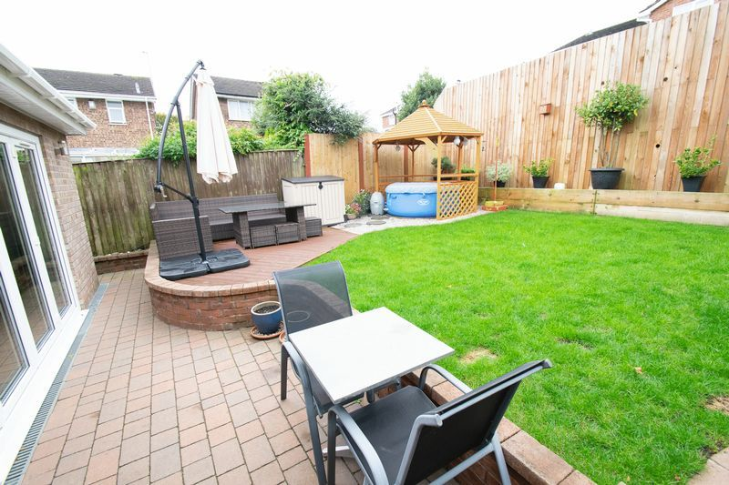4 bed house for sale in Saxon Drive 18