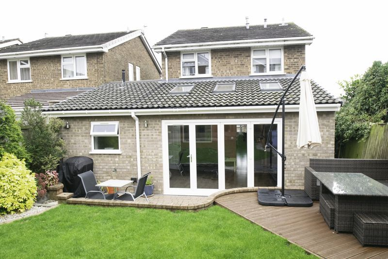 4 bed house for sale in Saxon Drive 19