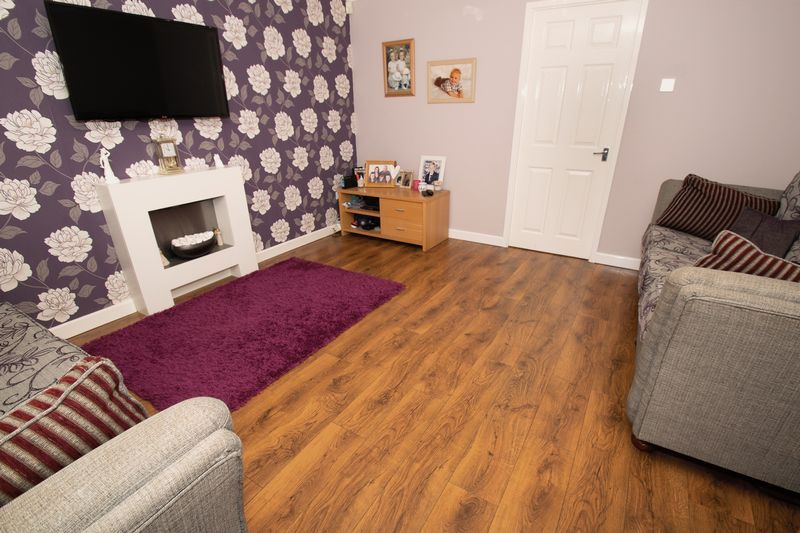 4 bed house for sale in Saxon Drive  - Property Image 5