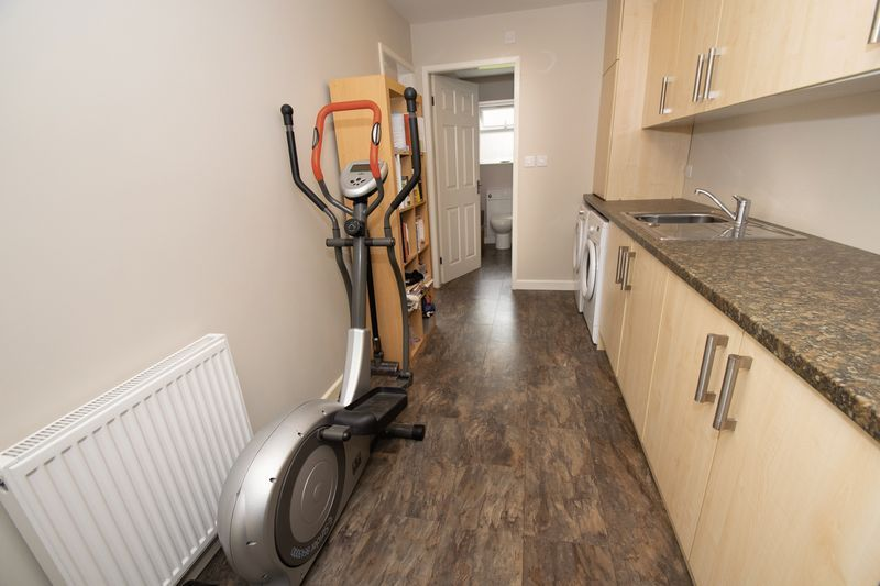 4 bed house for sale in Saxon Drive 10