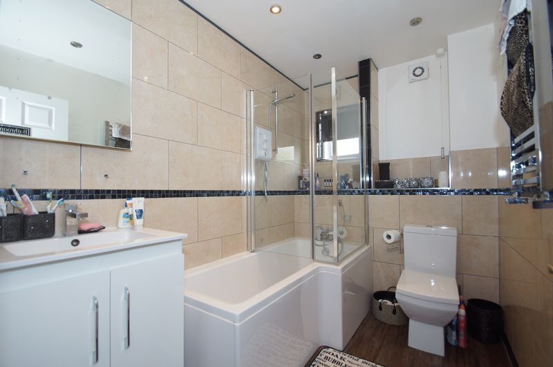 4 bed house for sale in Beckett Close 14