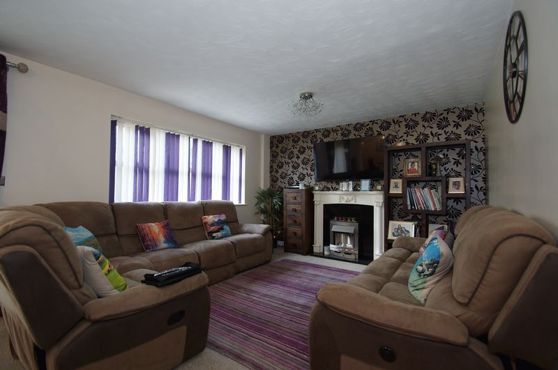 4 bed house for sale in Beckett Close 4