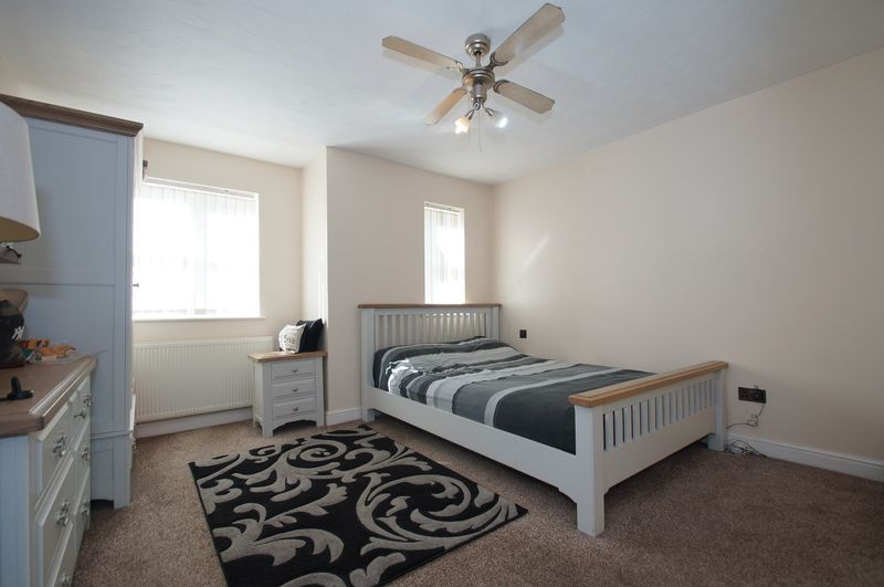 4 bed house for sale in Beckett Close  - Property Image 10